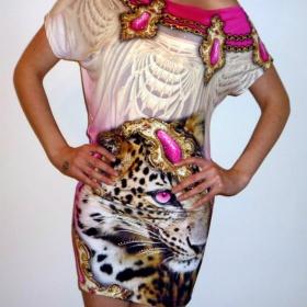 Bílo - růžové šaty T.A.T.U - foto č. 1