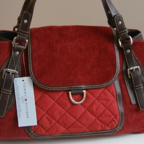 Cihlově červená kabelka Tommy Hilfiger - foto č. 1