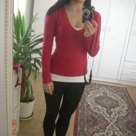 Růžový, vínový svetřík s výstřihem Nevím - foto č. 1
