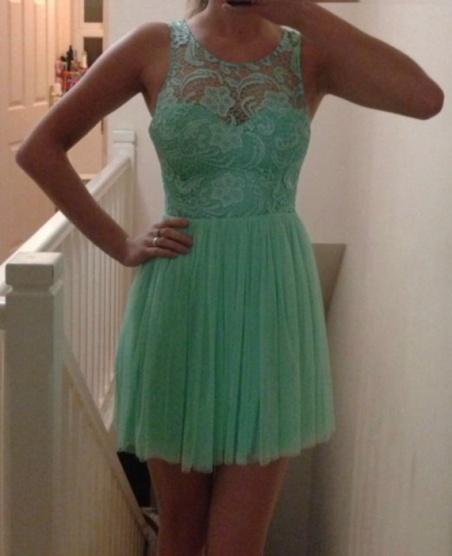 Mint krajkové šaty s tylovou sukní Lipsy - Bazar Omlazení.cz a7ad7dfcf2