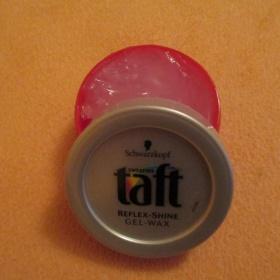 Vosk pro lesk vlasů Taft - foto č. 1
