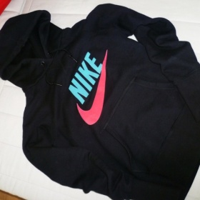 �ern� mikina s kapuc� Nike - foto �. 1