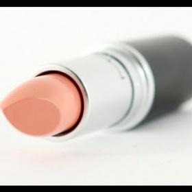Krémová rtěnka Creme d nude Mac - foto č. 1