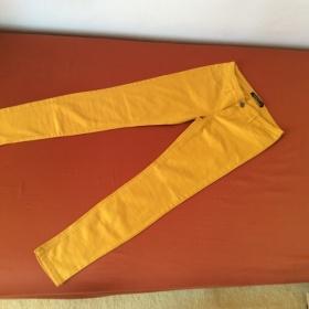Kalhoty žluté, úzké nohavice Z New Yorker - foto č. 1