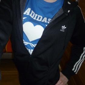 Mikina srdíčková Adidas - foto č. 1