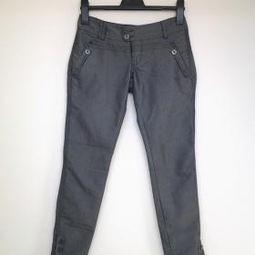 Šedé lesklé kalhoty Cropp - foto č. 1