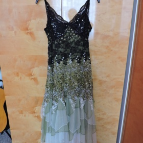 Dlouhé květované šaty Ever Pretty - foto č. 1