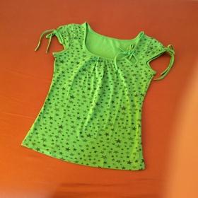 Triko zelené s potiskem neznačkové