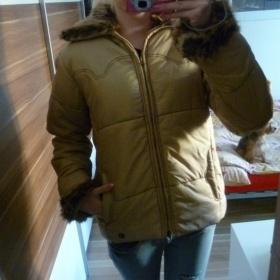 Zímní bunda s kožíškem neznačková - foto č. 1