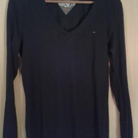 Černé tričko s dlouhým rukávem Tommy Hilfiger - foto č. 1