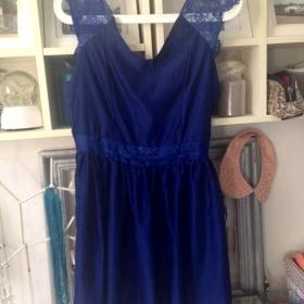 Tmavomodré šaty s krajkou S neznačková - foto č. 1