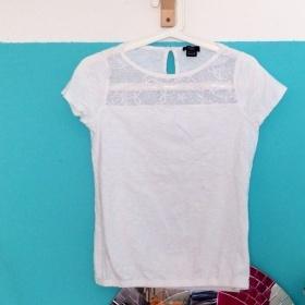 Bílé tričko F&F s krajkou S - XS F&F - foto č. 1