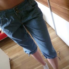 3/4 modr� kalhoty Takko