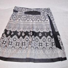 Vzorkovan� sukn� - foto �. 1