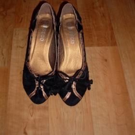 Semišové boty s mašličkou - foto č. 1