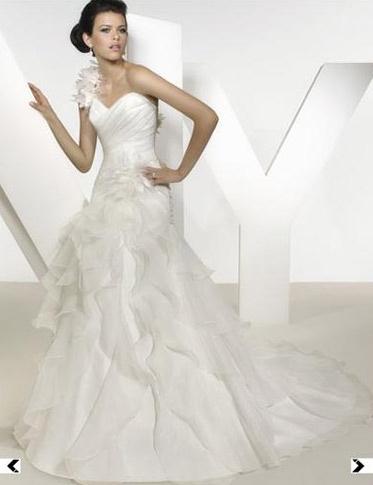 Černé svatební šaty - inspirace - Diskuze Omlazení.cz (2) 3f1286e378
