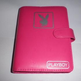 Tmavě růžový organizér (diář) Playboy - foto č. 1