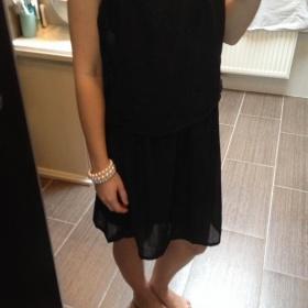 Lehké černé šaty Esmara