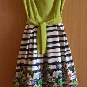 Doplňky k zeleným šatům