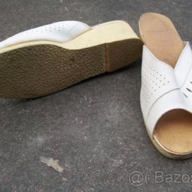 Retro pantofle neznačková