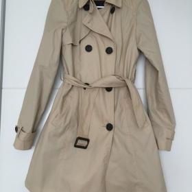 Béžový jarní kabát - jaké boty?