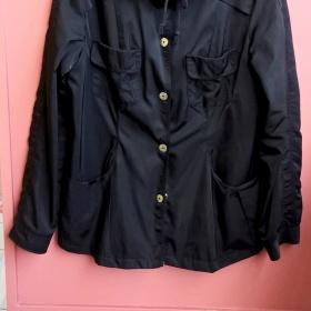 Lehká černá bunda s kapucí H@M