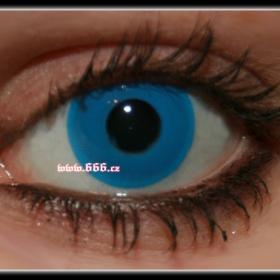 Modrá kontaktní čočka - foto č. 1
