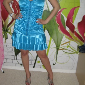 Modré plesové šaty - foto č. 1