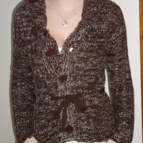 Hnědý svetr značky Noname - foto č. 1