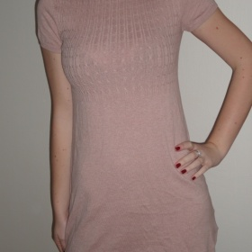 Růžové, svetrové šaty značky Clockhouse - foto č. 1