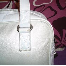 Bílo-stříbrná kabelka Puma - foto č. 1