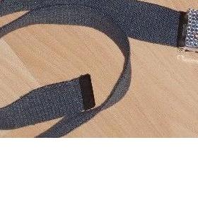 Bílý textilní pásek s kamínkovou sponou - foto č. 1