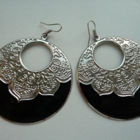 Černostříbrné visací náušnice kruhy s ornamenty z HM - foto č. 1