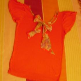 Červený svetřík s mašličkou zn. Orsay - foto č. 1