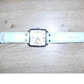 Dámské bílé hodinky Quartz - foto č. 1