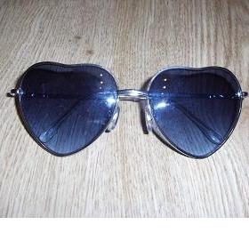 Sluneční brýle srdíčkové HM - foto č. 1