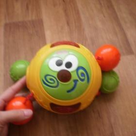 Barevná kutálející hračka Fisher Price - foto č. 1