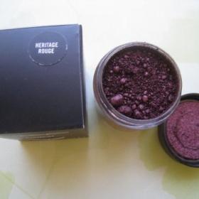 Mac pigment Heritage rouge - foto č. 1