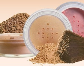 Světlý sypký minerální makeup - foto č. 1